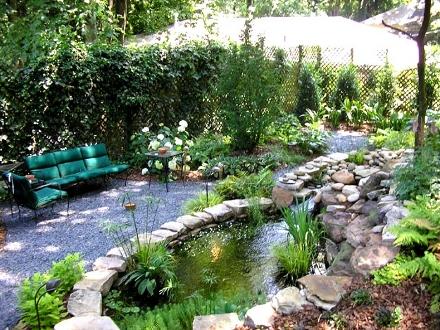 Почувствайте атмосферата в една подредена градина