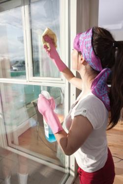 Почистване и поддръжка на дограма