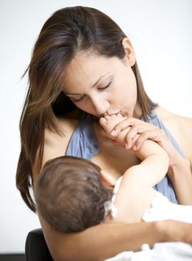 Кърмене на бебе