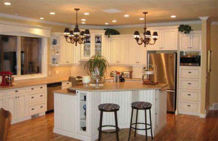 Избор на подходящ цвят и осветление на тавана